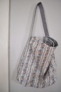 The Awesome Bag | AllFreeSewing.com