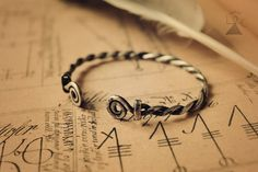 Custom viking bracelet bracelet celtique Viking par LoitsuCrafts