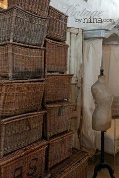 Vintage French Lidded Basket Find by Savvy Southern Style Old Wicker, Wicker Trunk, Wicker Baskets, French Baskets, Vintage Baskets, Le Logis, Savvy Southern Style, Transitional House, Basket Weaving