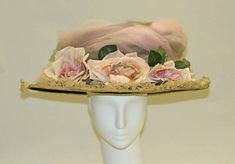 Hat ca. via The Costume Institute of the Metropolitan Museum of Art 1900s Fashion, Edwardian Fashion, Vintage Fashion, Victorian Hats, Edwardian Era, Edwardian Costumes, Period Costumes, Historical Costume, Historical Clothing