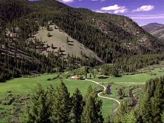 The most beautiful corner of #Montana: Bitterroot Valley. Since I live here, I'm sort of prejudiced.
