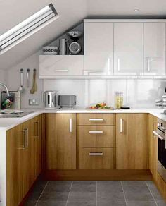 U shaped kitchen design for small space kitchen decorations and Kitchen Cabinets For Sale, Kitchen Cabinet Design, Interior Design Kitchen, Kitchen Decor, Kitchen Ideas, Wood Cabinets, Kitchen Storage, Diy Cupboards, Loft Kitchen