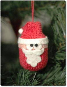 DIY Crocheted Santa Claus on Kinder Surprise container Crochet Santa, Crochet For Kids, Diy Crochet, Crochet Crafts, Egg Crafts, Yarn Crafts, Santa Face, Idee Diy, Diy Christmas Ornaments