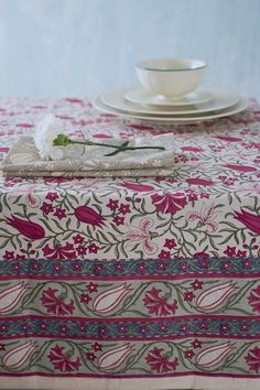 Tulips from our Archives Good Earth India, Tie Dye Crafts, Table Setting Inspiration, Indian Block Print, Earth Design, Indian Textiles, Table Linens, Bed Linens, Kitchen Collection