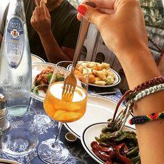 #RamonaAmodeo Ramona Amodeo: Mi sento come la percoca nel vino!  #mariagrazia #nerano #friends #food #love #cute #beautiful #eat #wine #sunday #day #lovely #picoftheday #bestoftheday #coast #happy #echereomagna