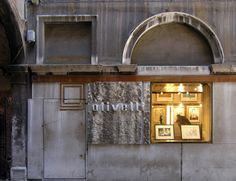 AD Classics: AD Classics: Olivetti Showroom,Photo by seier+seier - http://www.flickr.com/photos/seier/
