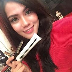 favorite #makeup base from #Klairs! She is using Klairs blemish balm and natural concealer now to perfect her skin. How about you?!