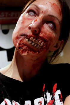 gelatin torn mouth appliance by Rhonda Causton(Reel Twisted FX)