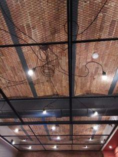 металлические подвесные потолки из сетки в стиле лофт