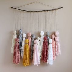 Most up-to-date Pics boho Yarn art Concepts Yarn Wall Art, Yarn Wall Hanging, Diy Wall Art, Art Yarn, Hanging Art, Wall Hangings, Yarn Crafts For Kids, Crafts To Sell, Diy Projects With Yarn