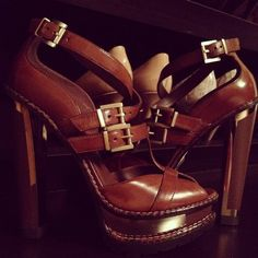 brown shoes-