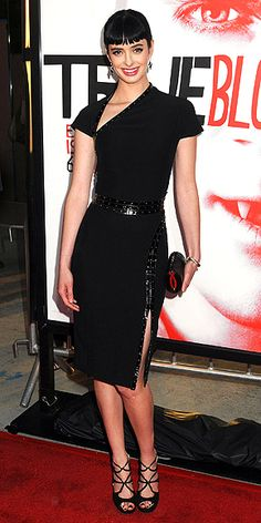 Ritter feted the True Blood premiere in am asymmetrical dress, onyx David Yurman drop earrings, a satin clutch and strappy sandals.