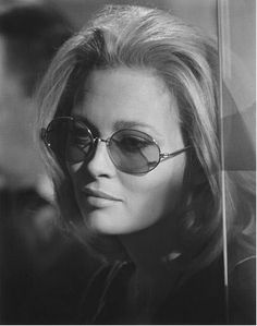 14 January 1941 Bascom, Florida, USA Birth name Dorothy Faye Dunaway Nickname Miss Faye Height m) Spouse Terry O'Neill Charlotte Rampling, Faye Dunaway, Katharine Hepburn, Audrey Hepburn, Twiggy, Alexa Chung, Classic Hollywood, Old Hollywood, Actrices Sexy
