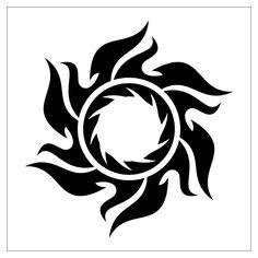 кельтские узоры,  перманентный макияж глаз,  татуировки на зоне,  татуировки на груди,  пирсинг языка,  татуировка солнце,  стили татуировок,