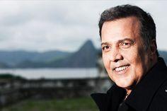 Um dos maiores nomes da música romântica comemorando ao vivo seus 40 anos de carreira! Neste sábado, dia 7 de setembro, na Barra da Tijuca!