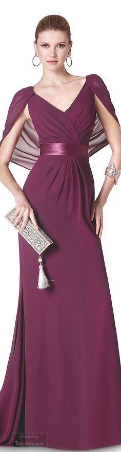 I like it with lower band on waist not under the twins Lovely Dresses, Beautiful Gowns, Beautiful Outfits, Beauty And Fashion, Estilo Fashion, Mode Style, Formal Gowns, Dream Dress, Dress To Impress