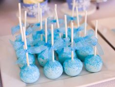 Sparkly cake pops at a Frozen birthday party! See more party planning ideas at… Frozen Themed Food, Frozen Themed Birthday Party, Birthday Cake Pops, Blue Birthday, Disney Birthday, Birthday Parties, Frozen Cake Pops, Frozen Theme Cake, Disney Frozen Party