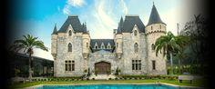Castelo de Itaipava - Foi construido na primeira metade do seculo XX, por volta de 1922-24, por um aristocrata anglo-brasileiro: Rodolfo Smith Vasconcelos, no bairro Itaipava. E uma reproducao de um castelo europeu. - Petropolis - Rio de Janeiro - Pesquisa Google