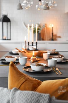 Table setting – A touch of fall! – Maren Baxter