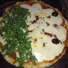 Pizza para celíacos Vegeta Food, Argentina Food, Argentina Recipes, Gluten Free Recipes, Keto Recipes, Pizza Sin Gluten, Stromboli Recipe, Fodmap, Healthy Cooking