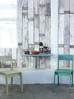 ¿Pared real o wallpaper? Descubre la colección del diseñador Piet Hein Eek. Impresionantes papeles de pared hiperrealistas inspirados en texturas de madera desgastada.  ¿Curiosidad por ver todos los modelos? Sigue el link: http://www.ottoyanna.com/455-piet-hein-eek #PietHeinEek #papeldepared #wallpaper #nlxl #scrapwood #papelpared