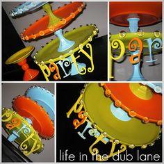 DIY Cupcake Stand - Easy, cheap, and soooo festive! -+,~