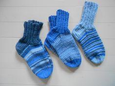 sinisiä sukkia (blue socks)