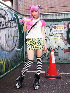 New post on japanesefashionlovers Harajuku Fashion, Japan Fashion, Kawaii Fashion, Fashion Art, Girl Fashion, Fashion Design, Cute Emo Girls, Tokyo Street Style, Local Girls
