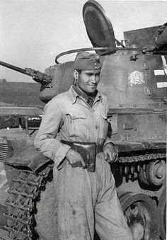 Hungarian Royal Army tank crew, pin by Paolo Marzioli Military Photos, Military History, Warring States Period, Afrika Korps, Tank Destroyer, Ww2 Tanks, Korean War, Panzer, Luftwaffe
