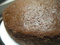 Pastel vegano (sin huevos)  http://www.mis-recetas.org/recetas/show/12149-pastel-vegano-sin-huevos