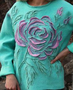 Купить или заказать Свитер валяный Розовая роза в интернет-магазине на Ярмарке Мастеров. Мне нравится такое сочетание розового и бирюзовым. Размер хороший - полная свобода движений! И конечно чрезвычайно комфортно для кожи. Для Самой-самой!!!