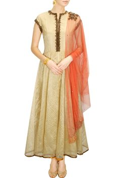 DECCAN DREAMS - Gold antique flower embellished anarkali with orange embroidered dupatta by Pranthi Reddy #new #designer #fashion #couture #shopnow #perniaspopupshop #happyshopping
