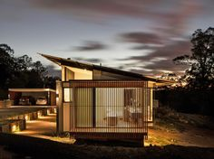 Wallaby Lane House; Queensland, Australia -  Robinson Architects
