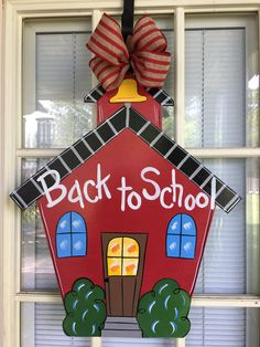 Trendy classroom door ideas back to school thoughts Teacher Doors, Teacher Door Signs, Teacher Door Hangers, Cross Door Hangers, Exterior Door Trim, Exterior Door Colors, Modern Exterior Doors, School Wreaths, Diy Door Knobs