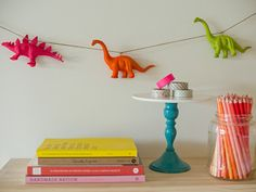 DIY Neon Animal Garland - Erin Loechner- would be cute with any of the little plastic animals they play with Plastic Animal Crafts, Plastic Animals, Plastic Dinosaurs, Diy Projects Pictures, Simple Projects, Diy Party Dekoration, Birthday Decorations At Home, Table Decorations, Neon Painting