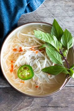 Easy Homemade Chicken Pho Best Gluten Free Recipes, Gluten Free Recipes For Dinner, Dinner Recipes, How To Make Pho, Chicken Pho, Pho Recipe, Vegetable Soup Healthy, Seafood Gumbo, Gluten Free Chicken