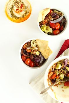 Easy, vegetarian Mediterranean Wheat berry Salad! Wheatberries, roasted and fresh veggies and a simple greek dressing #vegan #healthy