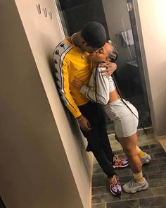 Pin by vicky kui on couple goals. Couple Goals Relationships, Relationship Goals Pictures, Couple Relationship, Black Couples Goals, Cute Couples Goals, Cute Black Couples, Matching Couples, Album Design, Parejas Goals Tumblr