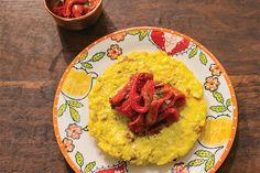 Frittata é uma prima italiana da omelete, geralmente feita com batata e qualquer outro ingrediente que esteja dando sopa na geladeira. Com mandioquinha fica um arraso. Opção acertadíssima para quando você estiver sozinho.
