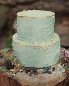 Mint And Gold wedding cake!