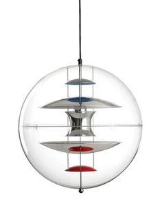 Scopri Sospensione VP Globe -Ø 40 cm - Panton 1969, Ø 40 cm / Trasparente - Riflettori cromato/rosso/blu/bianco di Verpan, Made In Design Italia
