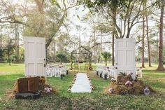 """Foto: Reprodução / <a href=""""http://lapisdenoiva.com/destination-wedding-florida-andrezza-alex/"""" target=""""_blank""""> Lápis de noiva </a>"""