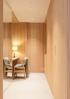 Schgaguler Hotel Castelrotto in Alpe di Siusi is a luxury design hotel with modern boutique interiors, spa, pool & restaurant close to the Dolomite ski resorts. Color Castaño, Interior Simple, Open Bathroom, Interior Architecture, Interior Design, Boutique Interior, Open Layout, Bedroom With Ensuite, Great Hotel
