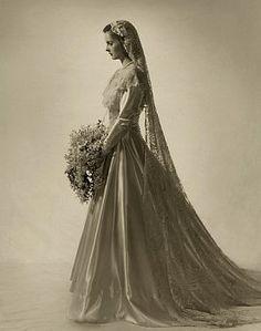 Vintage Wedding Dress  1947  zo sereen kan ik nooit zijn!