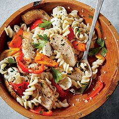 Sautéed Chicken with Roasted Pepper Pasta @keyingredient #cheese #chicken