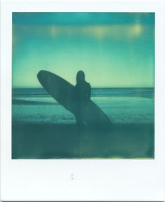 Photo: Ryan Tatar / plage / ocean / surfer girl / surfeuse / monsieurtong.com