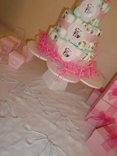 Party Favors baby shower. Cucharitas, torta de pañales y cajitas chinas en color rosa.  http://antonelladipietro.com.ar/