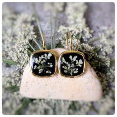 Kleine Ohrhänger mit Wildblumen, Boho Schmuck / cute tiny earrings with wild flowers, boho style made by Kiezelfen via DaWanda.com