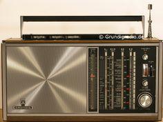 Grundig Satellit 208 Transistor 6000 Holz Chrom decor Hifi Speakers, Hifi Audio, Phone Sounds, Love Radio, World Radio, Retro Radios, Short Waves, Transistor Radio, Boombox
