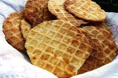 sajtos tallér házilag, ahogy nagymama csinálta Snack Recipes, Cooking Recipes, Snacks, Hungarian Cuisine, Waffles, Food And Drink, Cookies, Baking, Breakfast
